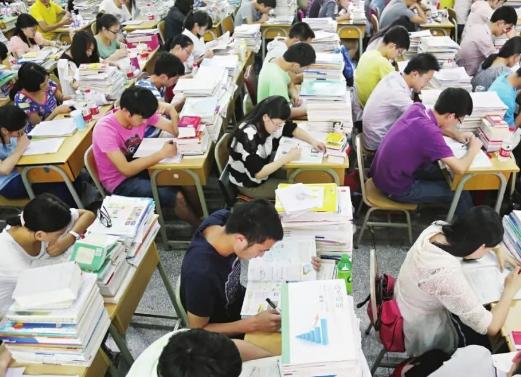 2020年贵州高考分数线公布!一本线文科548分,理科480分