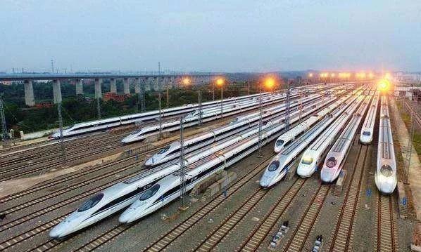 加长版国庆长假将至——安六高铁增开8趟高速动车