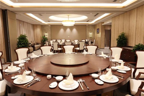 贵州职工之家(安顺圣丰酒店)闪耀启幕,服务职工再添新阵地 房产 第11张