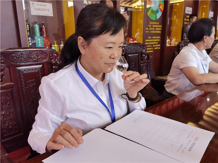 怀庄酒核心大单品专家品鉴会暨新闻发布会在仁怀举行 社会 第3张